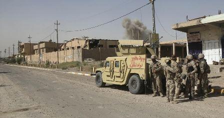بالصور.. القوات العراقية تتجول وسط الفلوجة