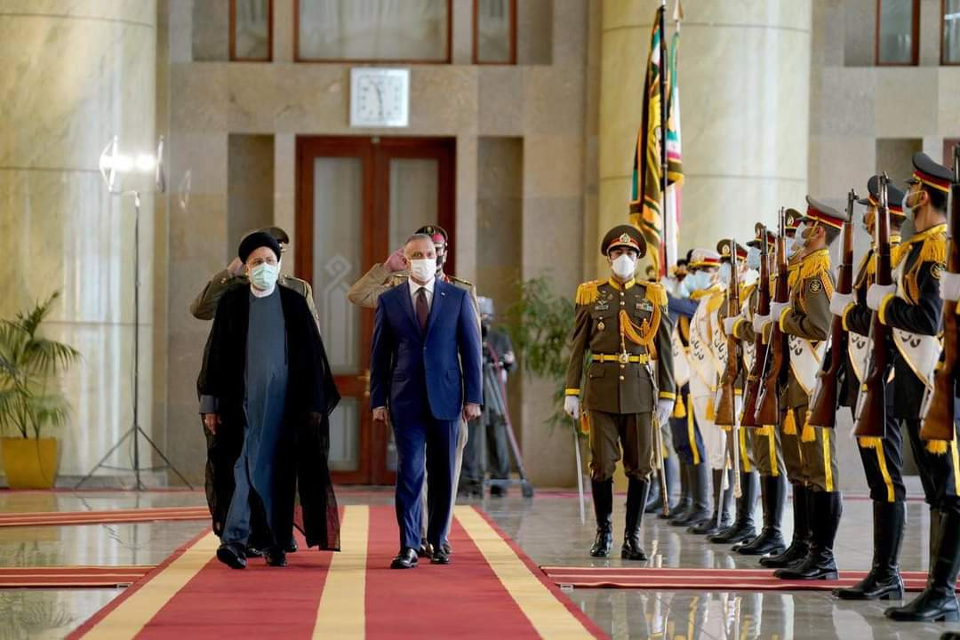 مراسم الاستقبال الرسمي لرئيس الوزراء السيد مصطفى الكاظمي من قبل رئيس الجمهورية الإسلامية الإيرانية السيد إبراهيم رئيسي في العاصمة طهران.