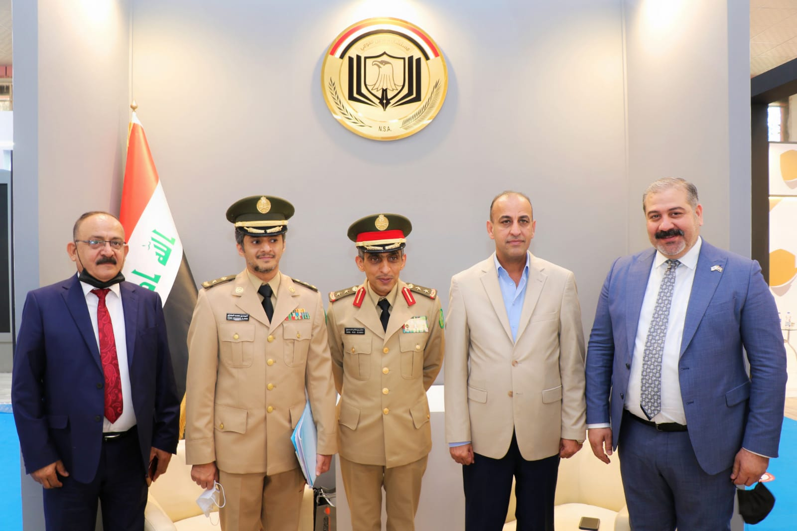 التجارة   … الملحق العسكري السعودي يزور معرض الامن والدفاع والامن السبراني على ارض معرض بغداد الدولي